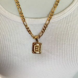 "Other - New 18k gold "" E "" necklace"
